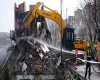 Gaziosmanpaşa'daki 56 riskli binanın yıkımı başladı!