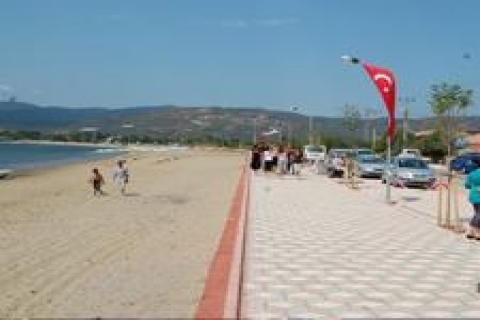 Sahil bandı projesi yatırımcılarına tapular dağıtıldı