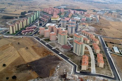 TOKİ, Adapazarı'nda 466