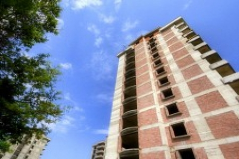 Antalya'da icradan 11 milyon TL'ye satılık apartman!