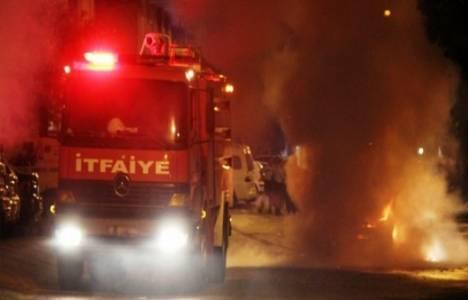 Sakarya'da iki katlı mobilya atölyesinde yangın çıktı!
