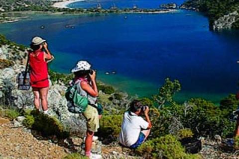 Türkiye'de turistler 2012'de otel dışına çıkacak!