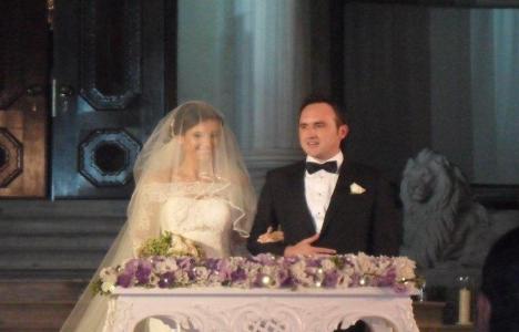 Neşe Beyatlı Aydıner, kızı Işıl Abeş'i evlendirdi!