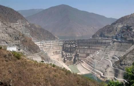 Yusufeli Barajı ve HES inşaatının derivasyon tüneli açıldı!
