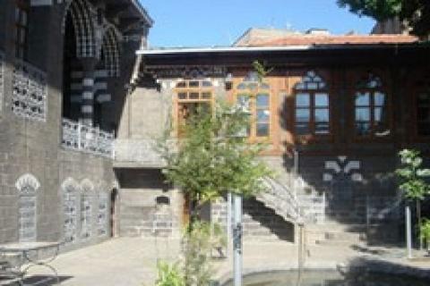 Cahit Sıtkı Tarancı 'nın evi restore edilecek!