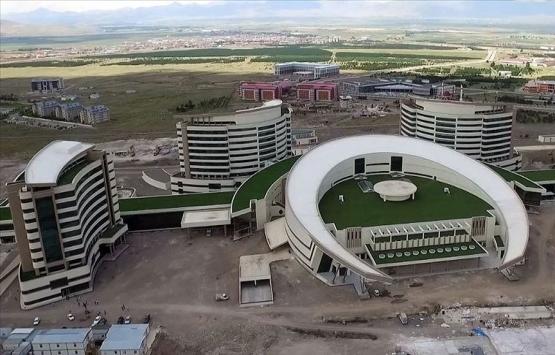 Erzurum Şehir Hastanesi'nin yüzde 95'i tamamlandı!