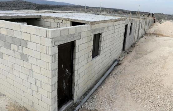 İHH'nın Azez'de inşa ettiği 154 briket ev ailelere teslim edildi!