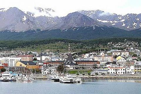 Arjantin'deki Ushuaia kenti okyanusları birleştiriyor!