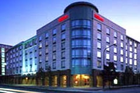 Kosifler, Hilton ile 25 otellik sözleşme imzaladı