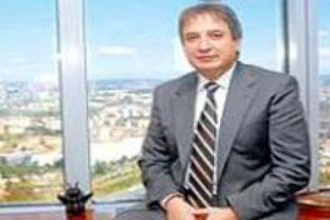 Ahmet Kırman: Krizde