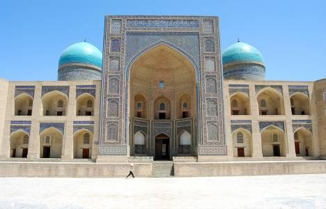 Özbekistan'daki tarihi kentlerdeki