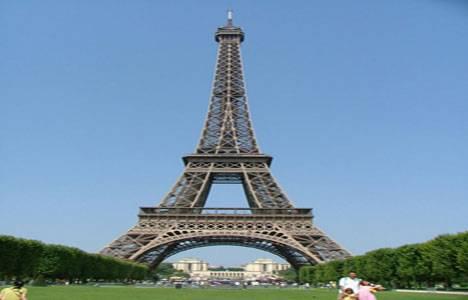Eyfel Kulesi ziyarete