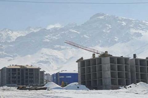 Van'daki 15 bin deprem konutunun inşaatı soğuğa rağmen sürüyor!