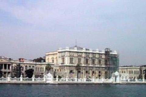 Dolmabahçe Sarayı'nın mimarı Balyanlar mı