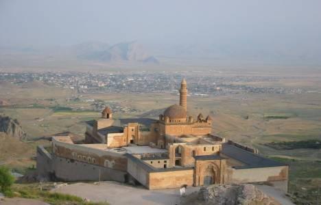 Ağrı İshak Paşa Sarayı harabe olmaktan kurtarıldı!