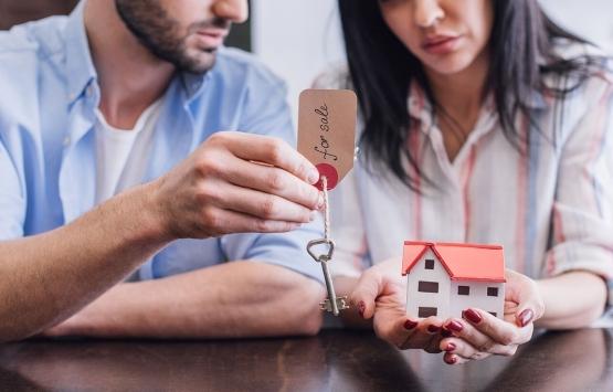 Kiracısı olunan ev satın alındığında kira sözleşmesi düşer mi?