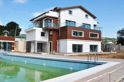 Sarıyer Zeytindalı Villaları'nda 450 bin dolara çatı dubleksi!