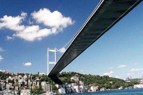Boğaziçi Köprüsü'ndeki bakım 3 ayda bitmeyecek!