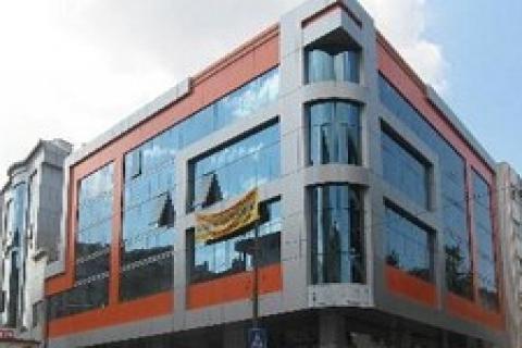 Sahibinden satılık 8 bin 500 metrekarelik iş merkezi!