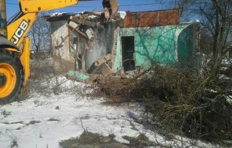 Kocaeli Körfez'de metruk binalar yıkılıyor!