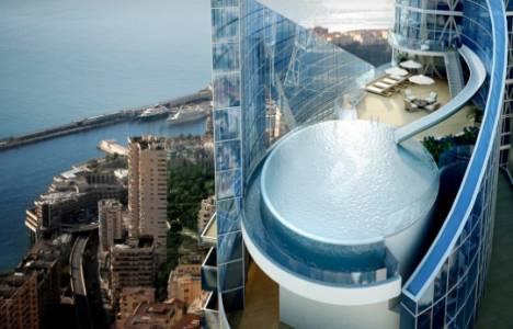 Tour Odenon gökdeleninde balkondan direkt havuza giriliyor!