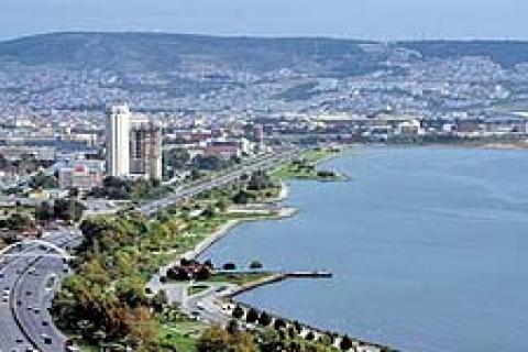 İzmir Bayraklı'ya kruvaziyer limanı yapılacak!