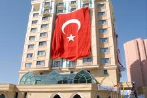 Merit Lefkoşa Oteli hizmete açıldı