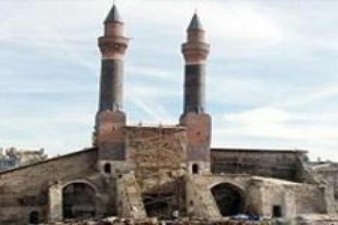 Çifte Minareli Medrese restore ediliyor