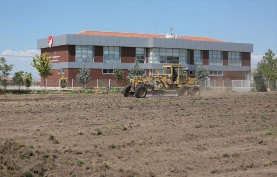 Malatya'daki Futbol Köyü projesi için ilk kazma vuruldu!