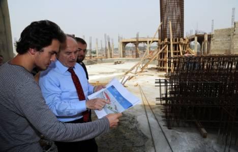 Kadir Topbaş Gana'da cami inşaatını gezdi!