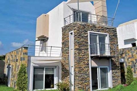Azure Villaları'nda Nisan kampanyası! Şimdi al, peşinatı Mayıs'ta öde! 135 bin 850 euroya!