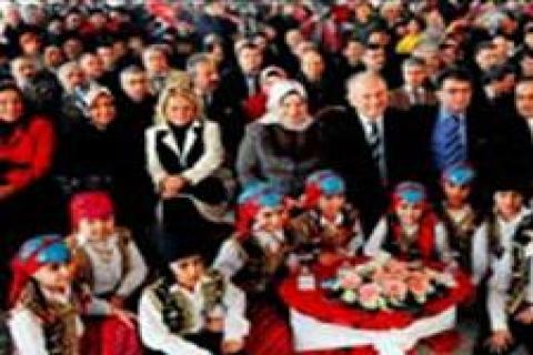 Hayırseverlerden Boğazköy'e ana