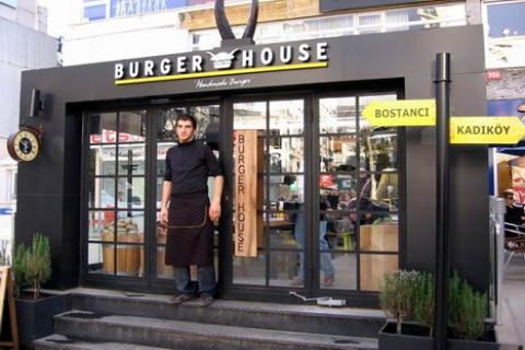 t rk hamburgerci burger house g ney afrika 39 da ube a acak 19 07 2012. Black Bedroom Furniture Sets. Home Design Ideas