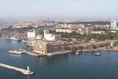 Kadıköy Belediyesi'nden 30 yıllığına kat karşılığı kiralık otopark!