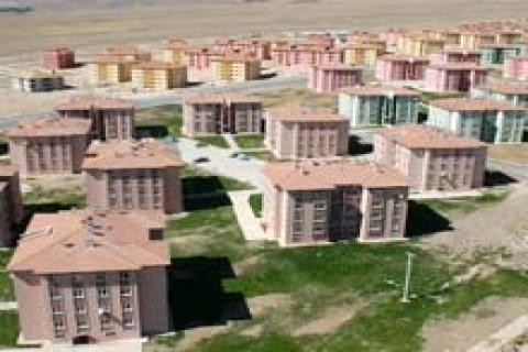 TOKİ Diyarbakır Çölgüzeli'nde 1.272 konut yaptıracak