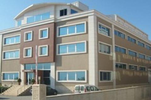 Tuzla'da 32 milyon 500 bin dolara satılık çok amaçlı bina!