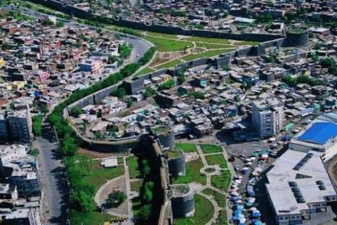 Diyarbakır'a sivil havaalanı