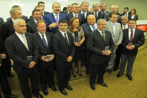DemirDöküm'e OAİB ödülünü Bakan Zafer Çağlayan'dan aldı!