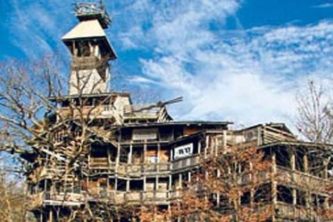 Horace Burgess'in ABD'deki 10 katlı evi sadece ahşaptan imal edildi!