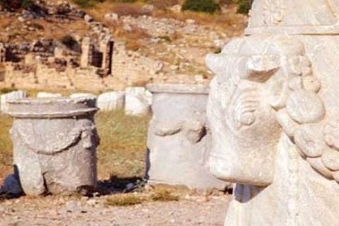 Bergama Müzesi'ndeki tarihi eserler sahip çıkılmasını bekliyor!