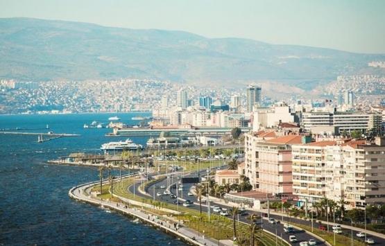 İzmir Aliağa'daki Kamelya Apartmanı'na iki farklı hasar raporu verildi!