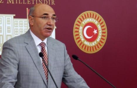 Çekmeköy'deki harabe bir binanın işletme olduğu iddiaları mecliste!