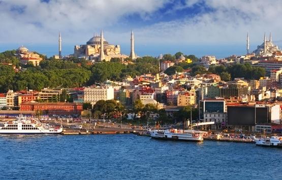 Pandemide İstanbullular yazlıklarına, yabancılar İstanbul'a akın etti!