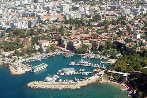 Antalya'da 808 bin TL'den satılık arsa!