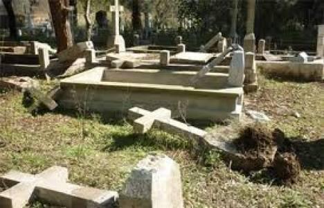 Kamulaştırılıp okul yapılan mezarlık iade edildi!