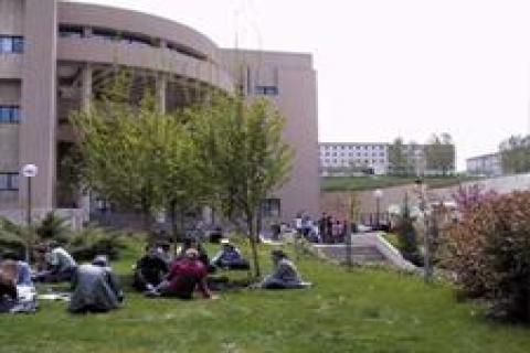 İstanbul'da 3 yeni vakıf üniversitesi kurulacak