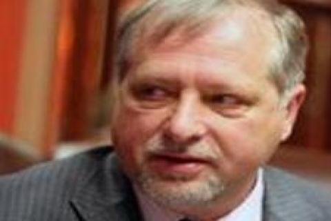 Sergey Komlev: Doğalgaz fiyatlarında iniş çıkış olmaz