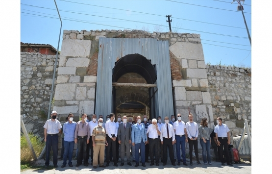 Tarihi Çorum Kalesi içindeki metruk yapılar yıkılıyor!