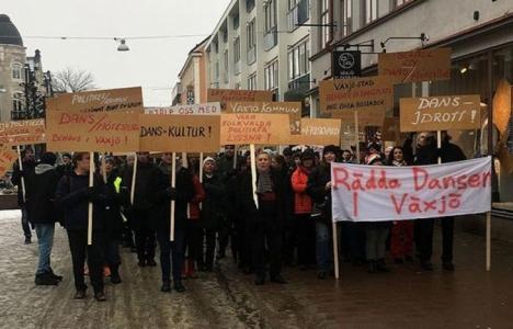 İsveç yıkım protesto