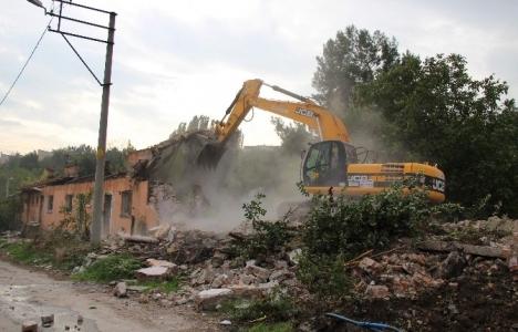 Karabük'te kalitesiz binalar yıkılıyor!